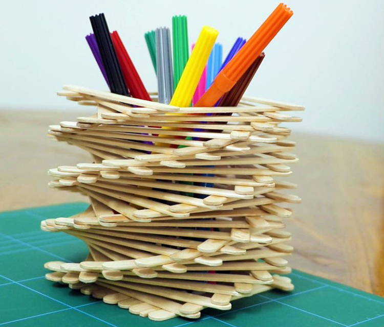 An Image Of Beautiful Pencil Holder Made By Icecream Sticks