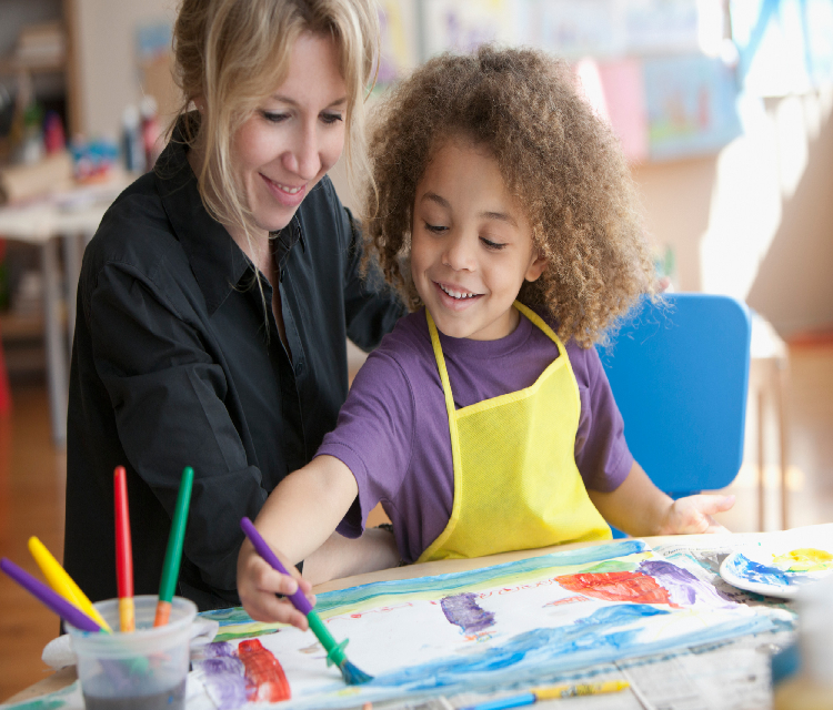In terms of painting and drawing, an artist can use a wide range of talents, such as painting, drawing, or using applications and online resources.
